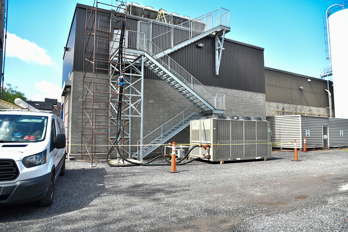 Refrigerating a food processing plant